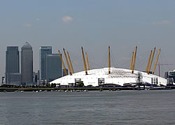 canary.wharf.and.dome.london.jpg