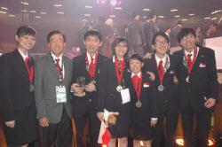 sg_medallists_bruce_poh_wsc_2009_250.jpg